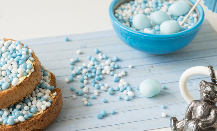 Eindelijk beschuit met blauwe muisjes voor...