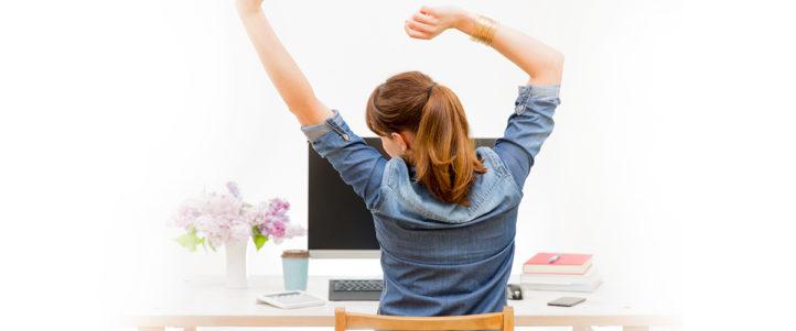 Zit niet vastgelijmd aan je bureaustoel! Vaak opstaan is gezond