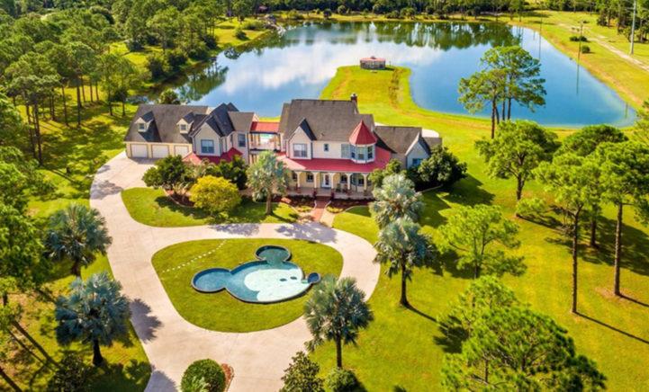 Gek op Disney? Dan is dit jouw droomhuis! (en het staat te koop!)