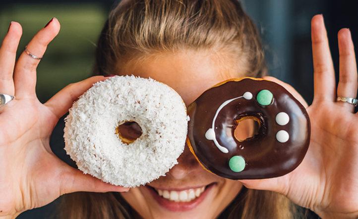 YES! Je kunt nu ook donuts thuis laten bezorgen!