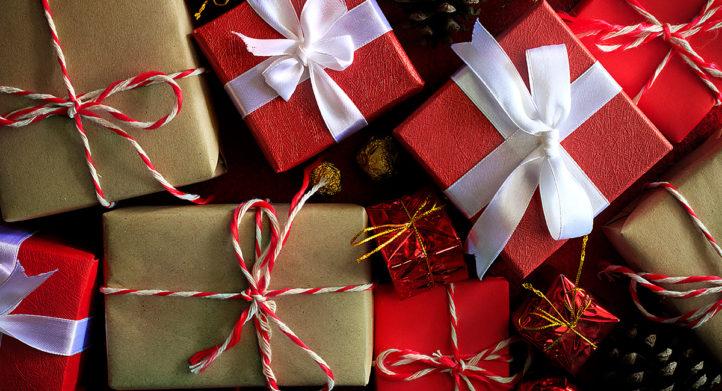 Met dit trucje pak je cadeautjes binnen 30 seconden in zonder plakband!