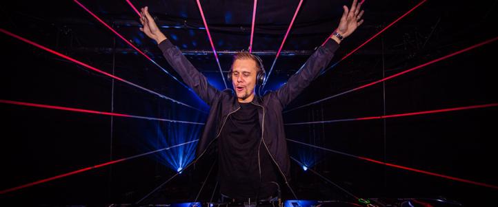 Armin van Buuren deelt prachtige foto samen met zijn vrouw!