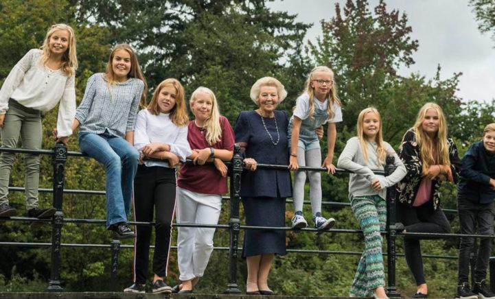 Hoera! Prinses Beatrix mag vandaag 81 kaarsjes uitblazen