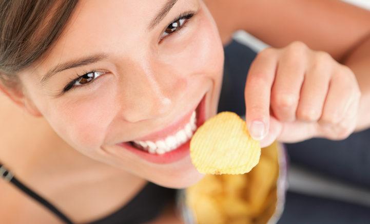 Zie hier de officiële manier om je geopende zak chips te bewaren!