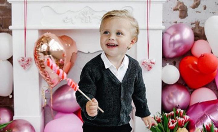 Kleine André Hazes is de schattigste Valentijn die je vandaag gaat zien!
