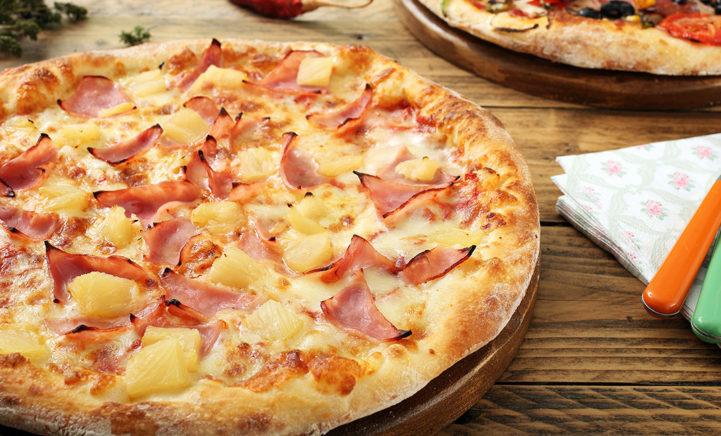 Italiaanse topchef: 'Ananas hoort absoluut niet op een pizza'!