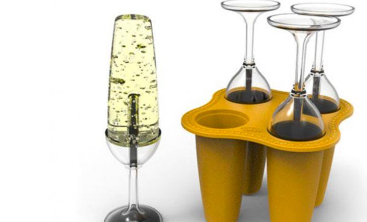 HEBBEN: IJsvormpjes die lijken op een champagneglas!