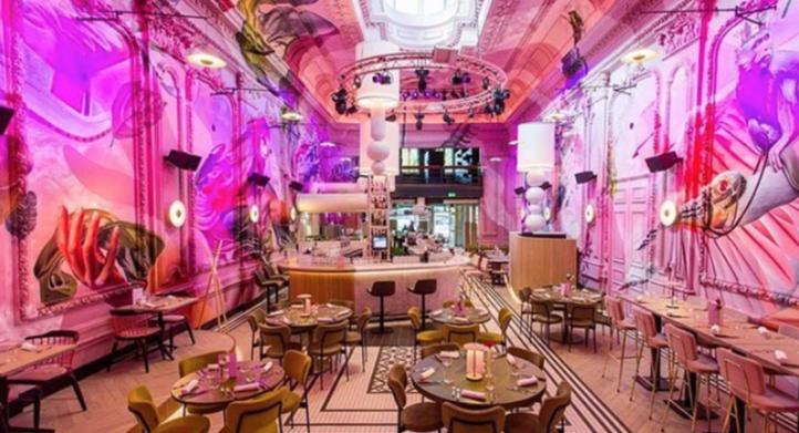 100%NL Magazine roze cafe