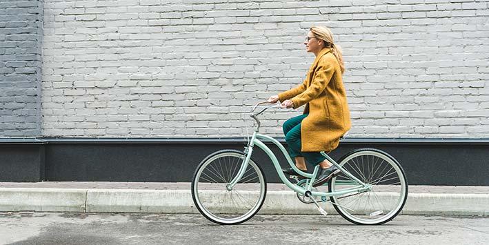 Vanaf vandaag is appen op de fiets verboden!