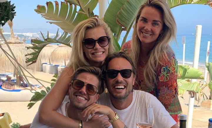 Gezinnen André Hazes en Nicolette van Dam genieten samen in Marbella