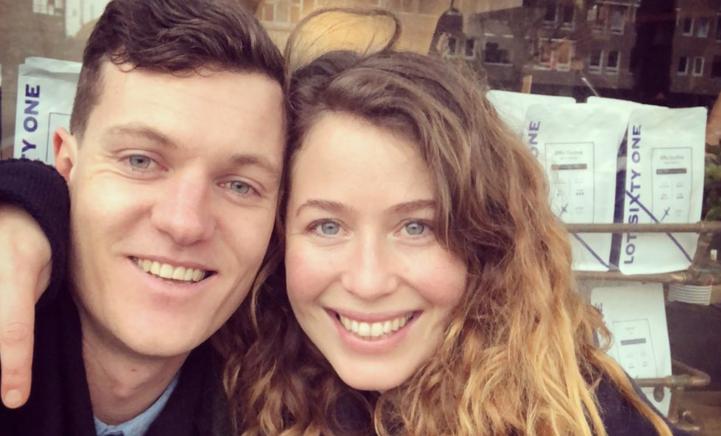 ZIEN: Sanne Vogel geniet met tweeling van mini vakantie
