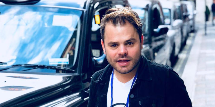 Roel Van Velzen Is Online Pesten Zat En Bijt Van Zich Af