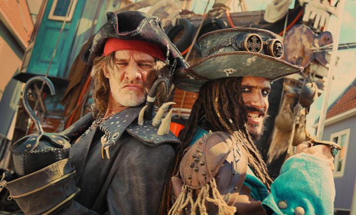 WIN: kaartjes voor de bioscoopfilm De Piraten van Hiernaast!