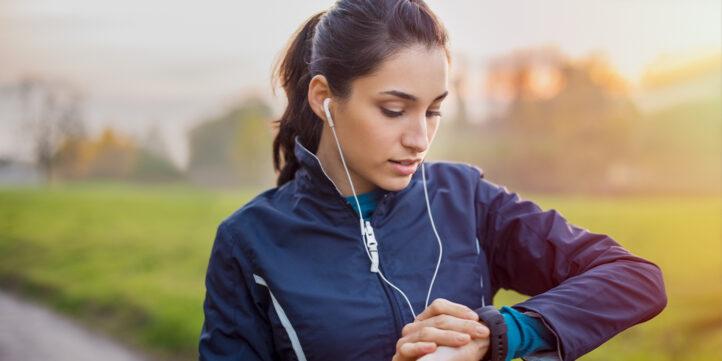 HANDIG: Door te sporten op dít tijdstip verbrand jij de meeste calorieën