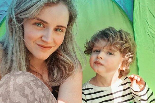 Liza Sips emotioneel over eerste schooldag van zoontje!