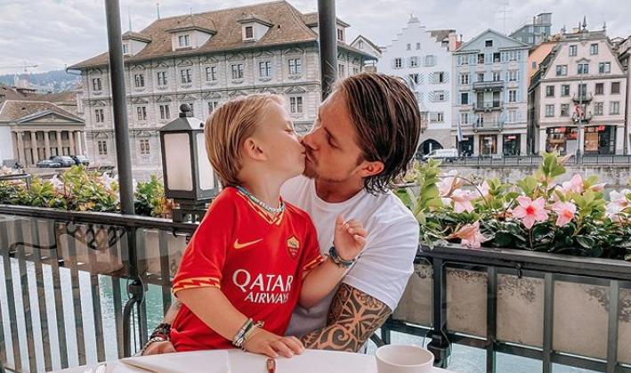 ZIEN: Kleine Dré rockt dezelfde haarstijl als papa André