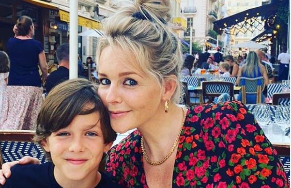 Chantal Janzen emotioneel over laatste basisschooljaar zoontje James
