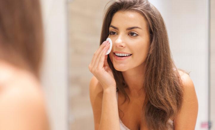 Dit is waarom je iedere dag je gezicht moet reinigen, ook als je géén make-up draagt!