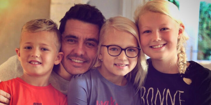 FOTO: Jan Smit deelt grote passie met dochters Fem en Emma
