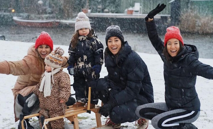 ZIEN: Naomi van As en Ellen Hoog stralen tijdens sneeuw fotoshoot met de kids!