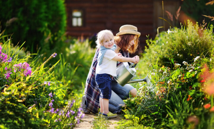 Dit moet je allemaal doen in mei om je tuin zomerklaar te maken!